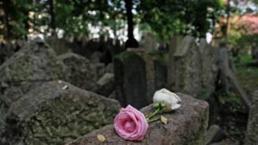 Il funerale nella cultura ebraica: i rituali funerari e le tradizioni
